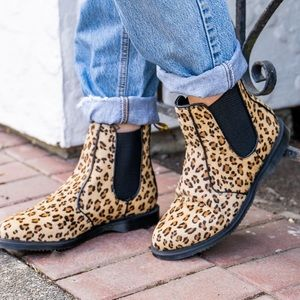 NEW Dr. Martens Leopard Hair Chelsea Boots Size 6